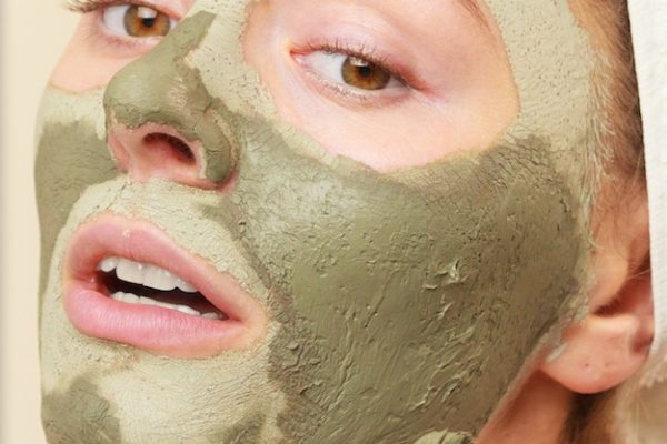 Homemade Detox Mask For Acne (and much more!)