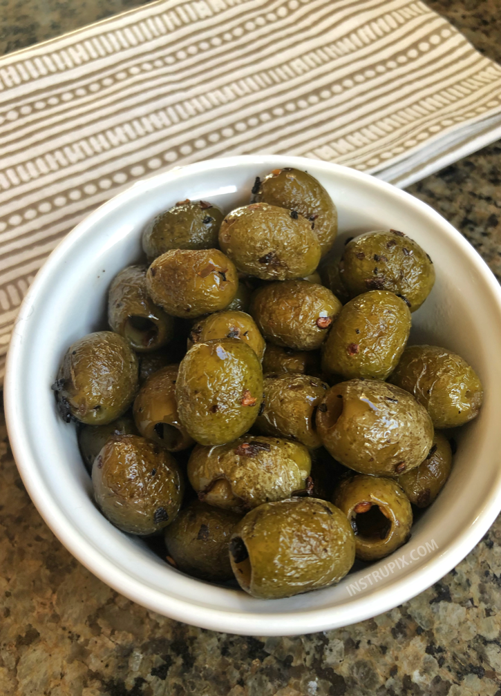 Blistered Olives | Super easy party snack idea! They are also keto and low carb. | Instrupix.com #lowcarb #keto #instrupix
