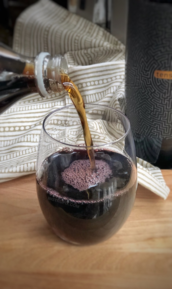 Wine Hacks: 8 Ways You Didn't Know You Could Drink Wine- to make it better, colder or more flavorful. Simple tips and tricks including wine cubes, spritzers, frozen fruit, cocktails, drink recipes and more! Red wine and cola. #instrupix #lifehacks #wine #drinkrecipes #mindblown