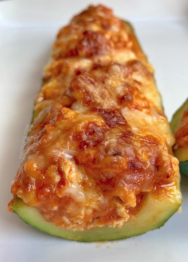 Easy Low Carb Chicken Parmesan Zucchini Boats Recipe - quick, easy and delicious keto dinner idea!