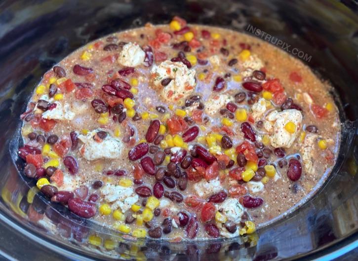 Super easy slow cooker dinner recipe -- Creamy Crockpot Chicken Chili