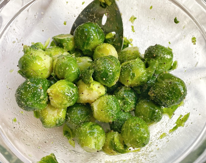 The best way to roast brussels sprouts!