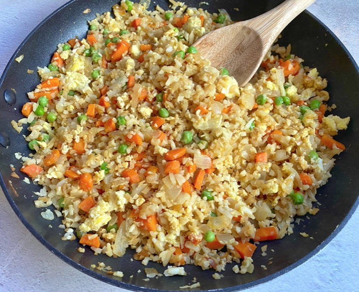 Low Carb Cauliflower Fried Rice Recipe (Quick and easy to make with simple ingredients!)