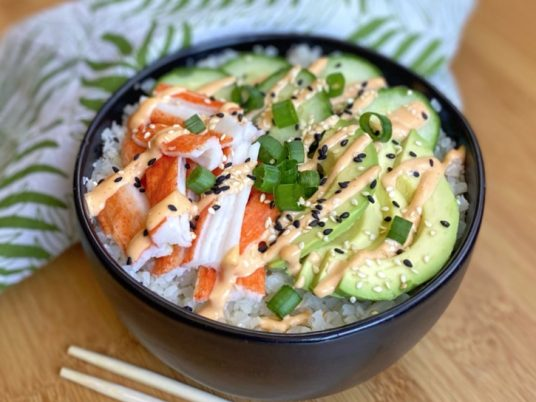 Easy Keto Sushi Bowls made with frozen cauliflower rice! A simple on the go lunch idea if you're on a low carb diet. Healthy full of fiber.